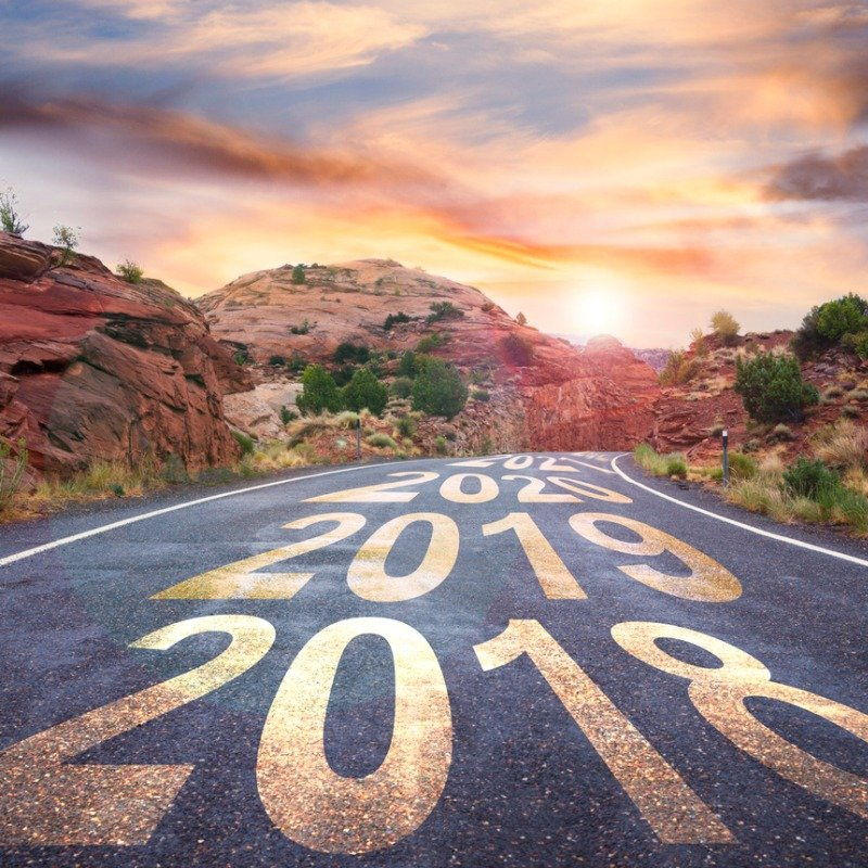 Road with increasing year numbers